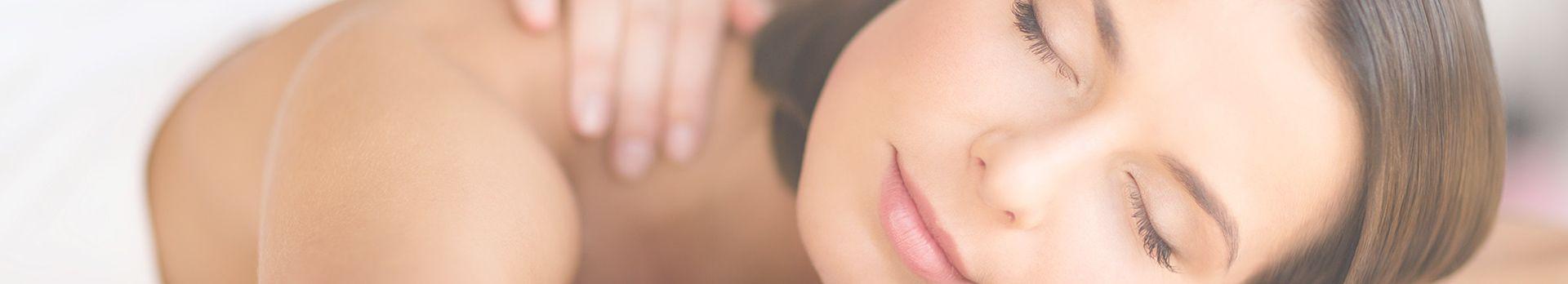 kobieta podczas masażu